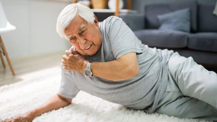 Chutes des seniors : comment éviter les chutes à domicile ?