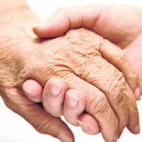 Personnes du troisième âge : pourquoi l'aide à domicile est nécessaire?